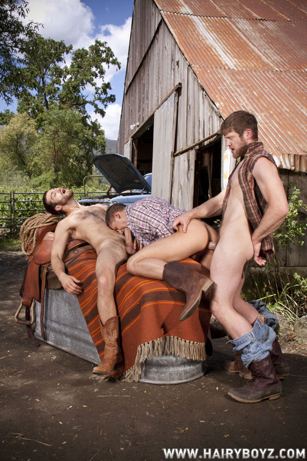 Colby-Keller-Tommy-Defendi-fuck-Chris-Porter-Hairy-Guys26 Hairy Cowboys Fuck Each Others Hairy Asses