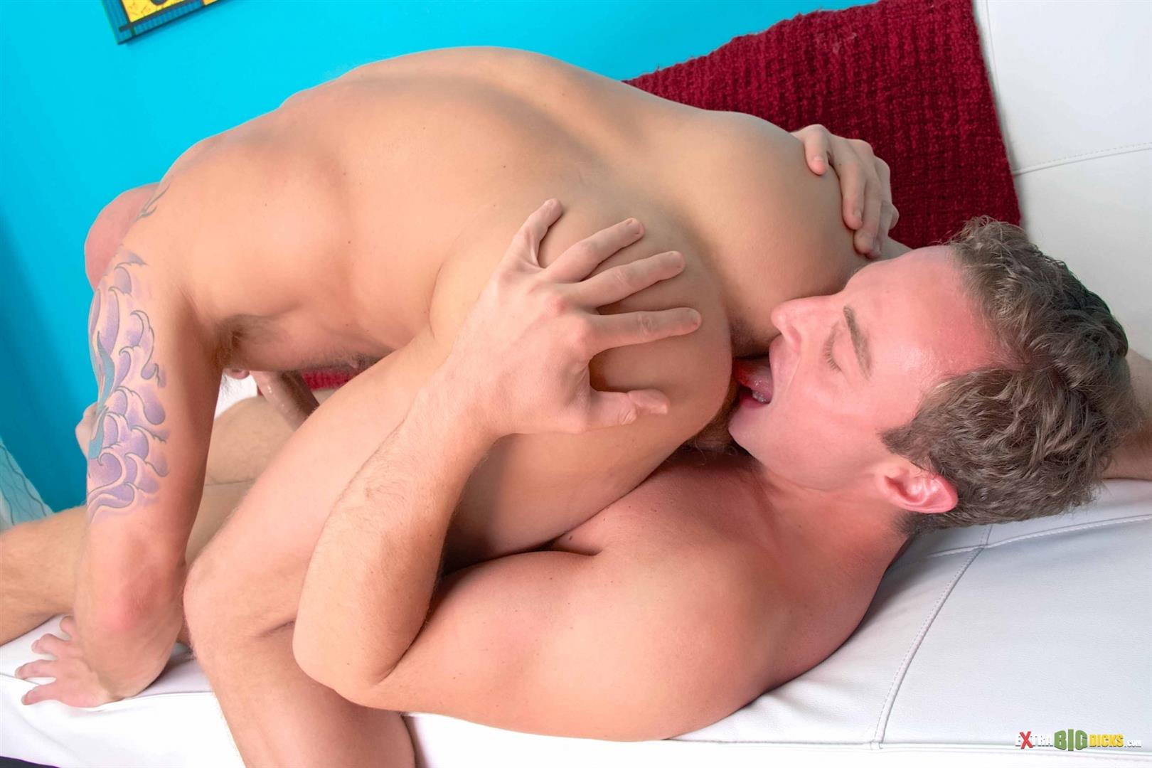 Extra-Big-Dicks-Drake-Jaden-Jacob-Durham-Hairy-Muscle-Guy-Gets-Fucked-With-A-Huge-Cock-Amateur-Gay-Porn-05 Hairy Muscle Stud Drake Jaden Takes A Huge Cock Up His Ass