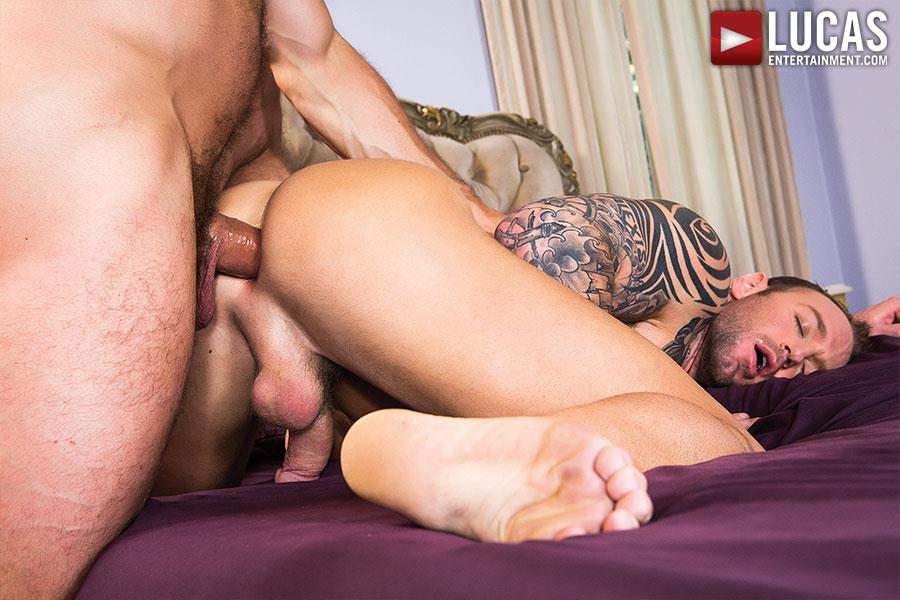 Lucas-Entertainment-Dylan-James-and-Hugh-Hunter-Muscular-Bareback-Amateur-Gay-Porn-06 Muscular Hunks Dylan James And Hugh Hunter Fucking Bareback