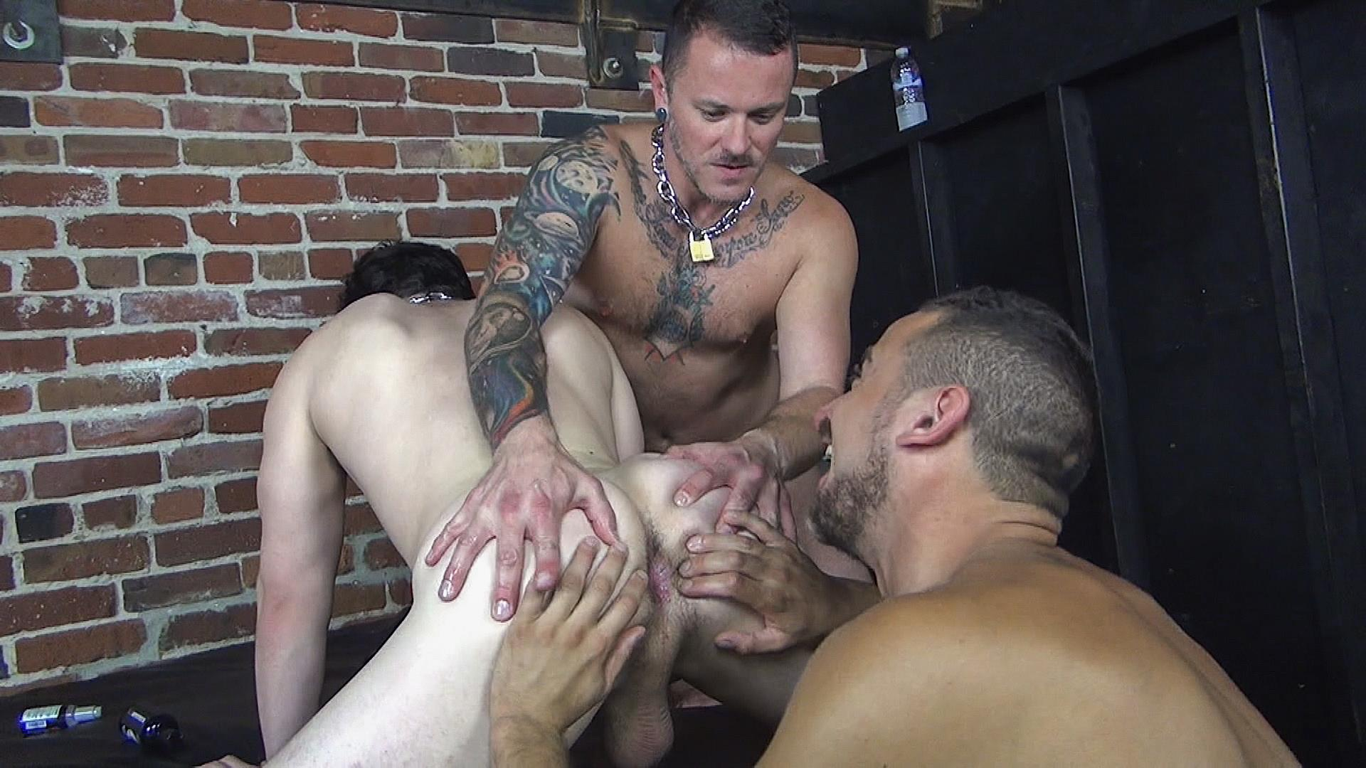 Raw Fuck Club Max Cameron and Jackson Fillmore and Leon Fox Bareback Double Penetration Amateur Gay Porn 01 Getting Double Penetrated Bareback By A Big Uncut Cock