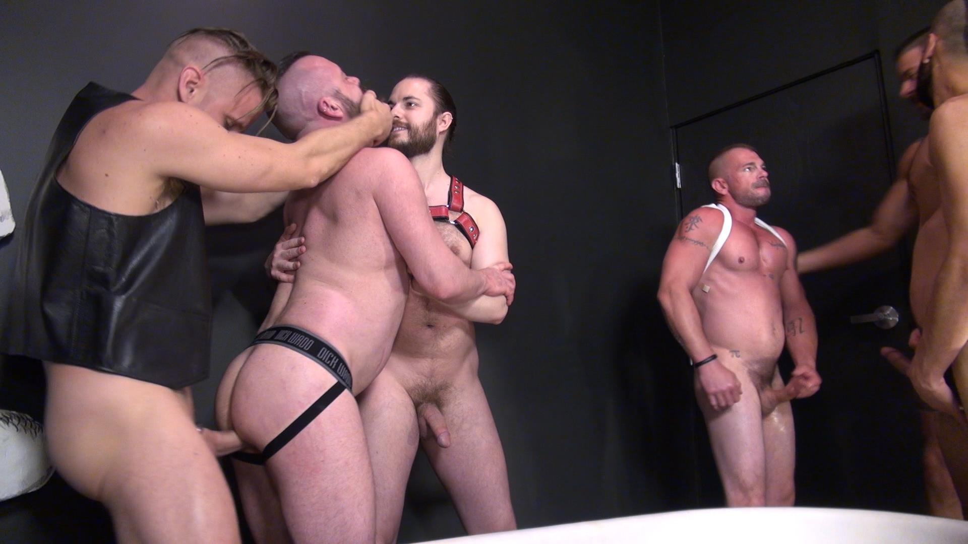 Raw-and-Rough-Piss-Tub-Bareback-Sex-Party-Amateur-Gay-Porn-01 Getting Bareback Fucked In The Piss Tub At The Gay Bar