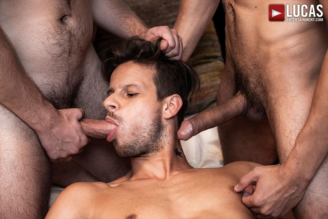 Lucas-Entertainment-Ben-Batemen-and-FX-Rios-and-Maxx-Gun-Bareback-Threeway-09 Ben Batemen and FX Rios Breeding Maxx Gun