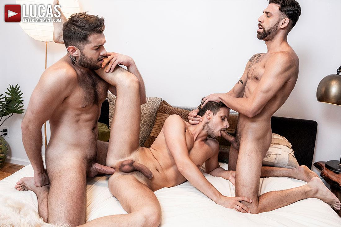 Lucas-Entertainment-Ben-Batemen-and-FX-Rios-and-Maxx-Gun-Bareback-Threeway-13 Ben Batemen and FX Rios Breeding Maxx Gun