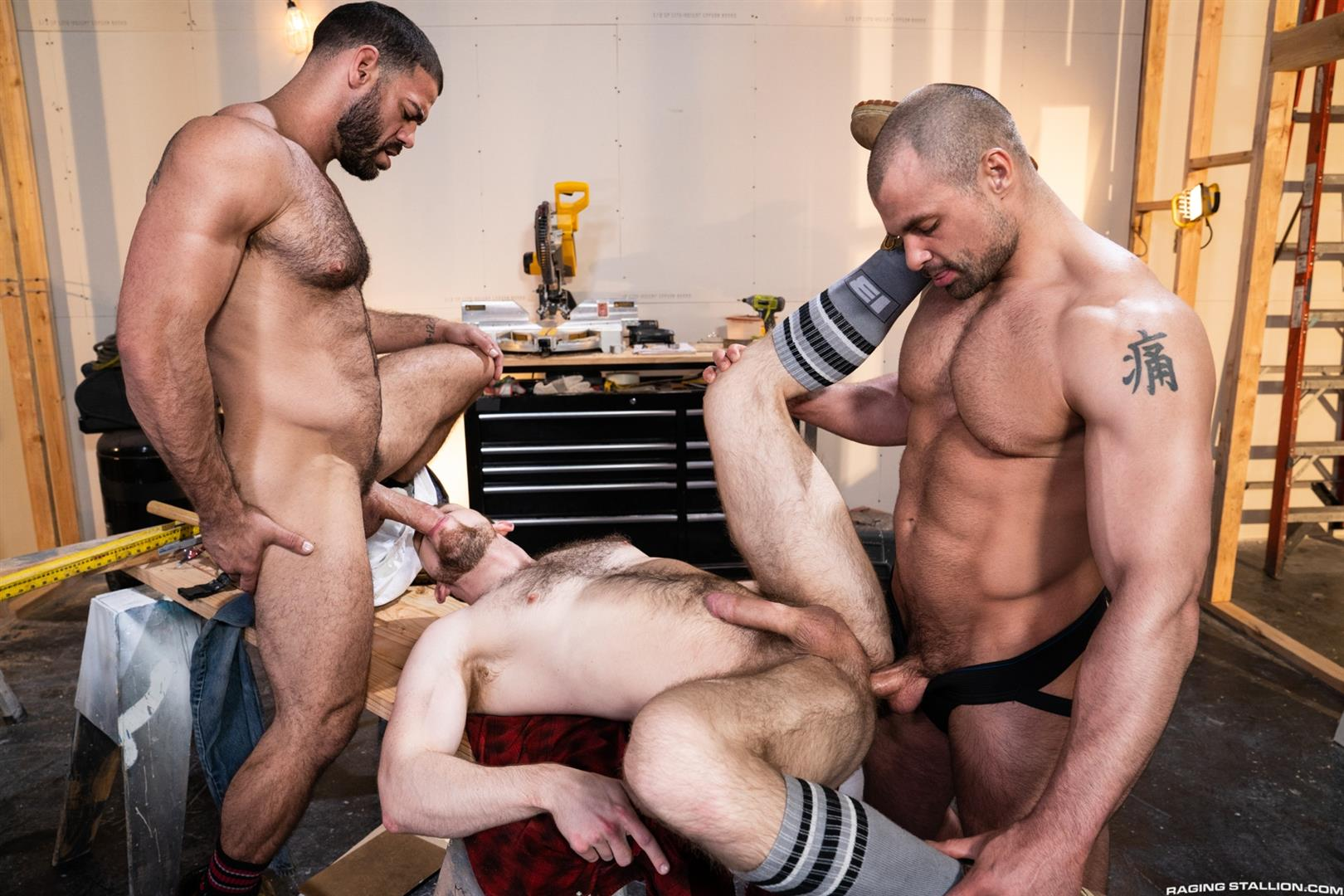 Raging-Stallion-Ricky-Larkin-and-Kurtis-Wolfe-and-Jaxx-Thanatos-Hairy-Muscle-Bareback-13 Hairy Muscle Hunks Ricky Larkin, Kurtis Wolfe and Jaxx Thanatos Bareback Fucking On The Job Site